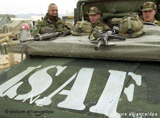 Soldados neerlandeses de ISAF en Afganistán.