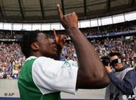 Solomon Okoronkwo, del Berlín, celebra su tanto ante el Wolfsburgo.