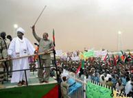 عمر البشیر  از منطقه بحرانی دارفور دیدار میکند