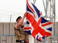 Arriando la bandera: Gordon Brown asegura que no se trata de una derrota.