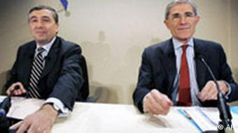 Suez Chairman and CEO Gerard Mestrallet, right, with GDF Chairman and CEO Jean-Francois Cirelli in 2006