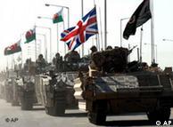 El convoy militar abandona la estratégica ciudad de Basora.