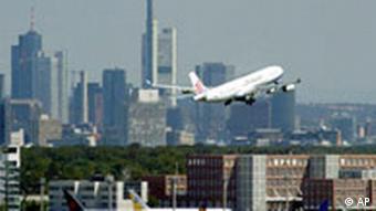 Deutschland Terror Festnahme Frankfurt Flughafen Flugzeug