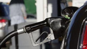 Symbolbild Benzinpreise Öl