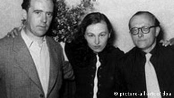 Von links: Heinrich Böll, Ilse Aichinger und Günther Eich 1952 während der Tagung der Gruppe 47.