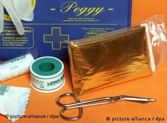 До обов'язкового вмісту автомобільної аптечки входитимуть і медичні захисні маски