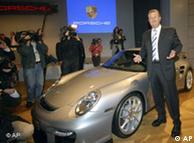 Wendelin Wiedeking presentando el Porsche 911 GT 2 en la IAA