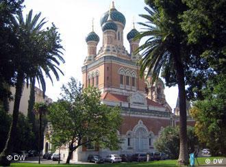 La cathédrale russe orthodoxe de Nice fut achevée en 1912.