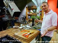 Tim Mälzer, originario de Hamburgo, posee su propia cadena de restaurantes y su show culinario de TV.