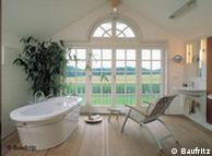 El cuarto de baño de una casa que protege el medio ambiente