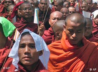 Myanmar eski bir İngiliz kolonisi.