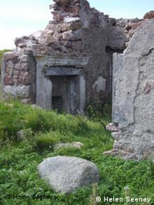 L'habitat traditionnel de Gola menacé : ici, une cheminée extérieure.