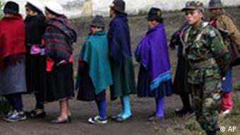 Äquador wählt Referendum