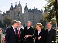 Horst Köhler, Harald Ringstorff, Norbert Lammert, Angela y Juergen Papier en Schwerin.