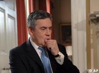 Αρνητικό κλίμα για τον πρωθυπουργό Γκόρντον Μπράουν διαμορφώνουν τα συνεχή σκάνδαλα.