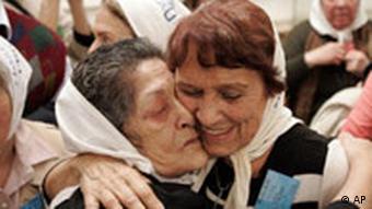 Argentinien Urteil gegen Christian Von Wernich Reaktionen