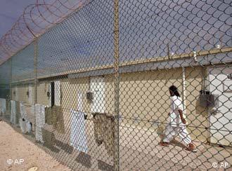 زندان آمریکایی گوانتانامو در کوبا