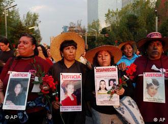Manifestación de familiares de mujeres asesinadas en Ciudad Juárez: ayuda del PE.