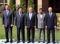 در حاشیه آخرین نشست سران کشورهای حوزه خزر در باکو گفته شد که رژیم حقوقی دریای خزر در سال ۲۰۱۱ حل خواهد شد