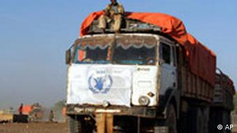 World Food Programme aid arrives in Somalia in 2005