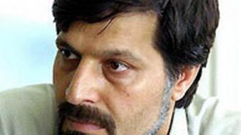 عمادالدین باقی بنیانگذار موسسه حمایت از حق حیات معتقد به کمرنگ کردن نقش اولیای دم در سیستم قضایی است