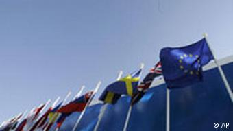 Portugal EU Gipfel in Lissabon Flaggen