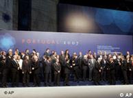 Cúpula da UE em Portugal aprova tratado reformador