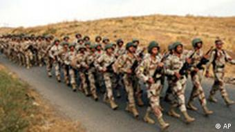 Irak Türkei Kurden irakische Soldaten in der Nähe der türkischen Grenze
