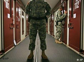 Verheerend für das Ansehen der US-Regierung: Gefangenenlager Guantanamo auf Kuba