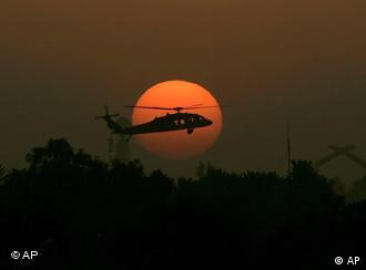 Blackwater im Zwielicht: Blackhawk-Hubschrauber über Bagdad