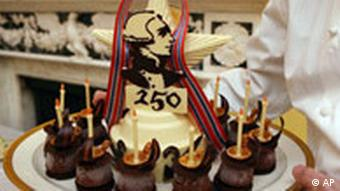 A dessert with a picture of Marquis de Lafayette
