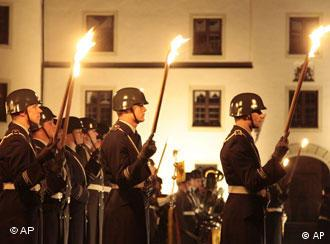 Торжественная церемония на родине офицера