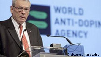 Canadian Richard Pound, outgoing President of the World Antidoping Agency (WADA), addresses the participants at the opening session of the 3rd World Antidoping Congerence held in Madrid, Spain on 15 November 2007. At the start of the session where his successor will be elected and the World Code on doping will be reformed, Pound said that 'there is a real possibility to fight doping'. Only yesterday Pound made the headlines on the Sports pages of Spanish dailies when he said that the notorious cycling doping scandal known as 'Operacion Puerto' could not really affect only cyclist and that the police investigation should continue. EPA/SERGIO BARRENECHEA (zu dpa 0262 vom 15.11.2007) +++(c) dpa - Bildfunk+++