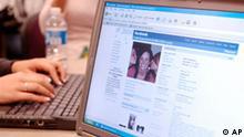 Werbeoffensive im Web 2.0 facebook Deutschland Internet Werbung Datenschutz