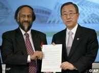 Rajendra Pachauri (izq.), del IPCC, y Ban Ki-moon, de la ONU, presentaron informe climático en Valencia.