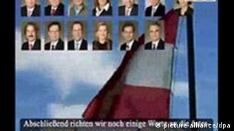 Screenshot eines islamistischen Drohvideos, dass sich gegen Oesterreich und Deutschland richtet, das am Dienstag (20.11.2007) dem Österreichischen Rundfunk (ORF) zugespielt wurde (Foto: dpa)