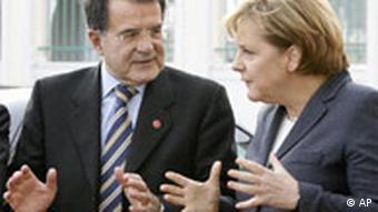 Deutsch Italienisches Gipfeltreffen Angela Merkel und Romano Prodi Meseberg Deutschland Italien