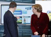 El primer ministro de Turingia, Dieter Althaus, y la canciller alemana inauguran el portal