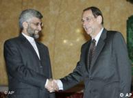 Yalili (izq.) y el enviado europeo Javier Solana.