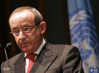 Yvo de Boer, the executive secretary of the U.N. Framework Convention on Climate Change (UNFCCC)