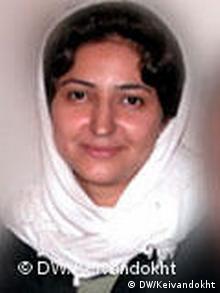 جلوه جواهری کنشگر کمپین یک میلیون امضا ۲۵ روز است که در بازداشت به سر میبرد