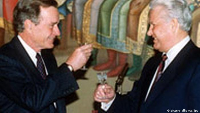 George Bush, Boris Yeltsin (picture-alliance/dpa)