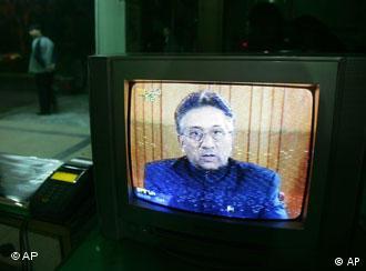 Musharraf: TV-Rede an das Volk, Quelle: AP