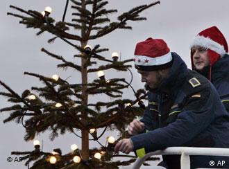 درخت کریسمس به تصاویر کلیساهای قرون وسطایی از بهشت باز میگردد