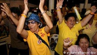 If Thaksin comes back the Yellow Shirts will be up in arms