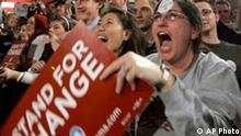 Jubelnde Menschen nach der Wahl in Iowa