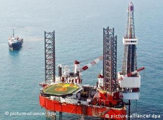برخي از كارشناسان انرژى ميگويند، استخراج نفت و گاز از خزر ربطى به حل رژيم حقوقي اين دريا ندارد