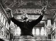 O maestro durante ensaio em 1966
