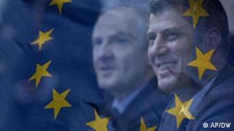 Montage of the EU flag and Kosovar leaders