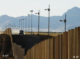 Grenzzaun in der Nähe von Naco, Mexiko